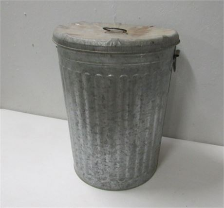 Classic Galvanized Trash Container with Lid